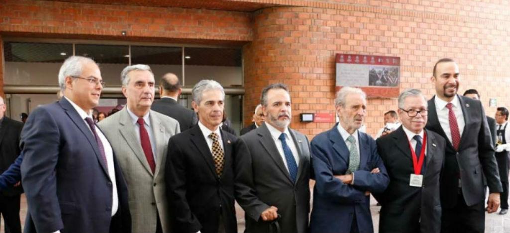 Sistema Universitario Jesuita entrega Doctorado Honoris Causa al artista Vicente Rojo (Texto y Video)
